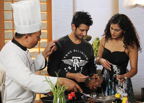 Feast of food on glow tv chef sethis dishes are not just for the evening tea time or nashta enjoyed across india but can make for a divine snack at any time of the day forumfinder Images