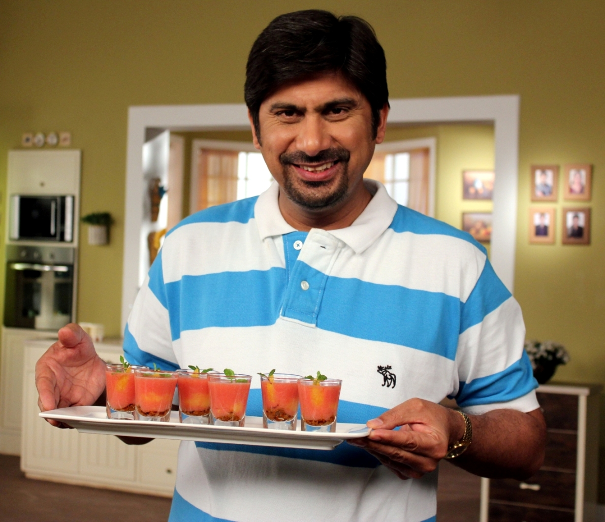 Feast of food on glow tv above chef rakesh sethi shows off some of his tea time treats on glow tv forumfinder Images