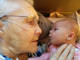 92-year-old great grandmother meets her two-day-old grandchild