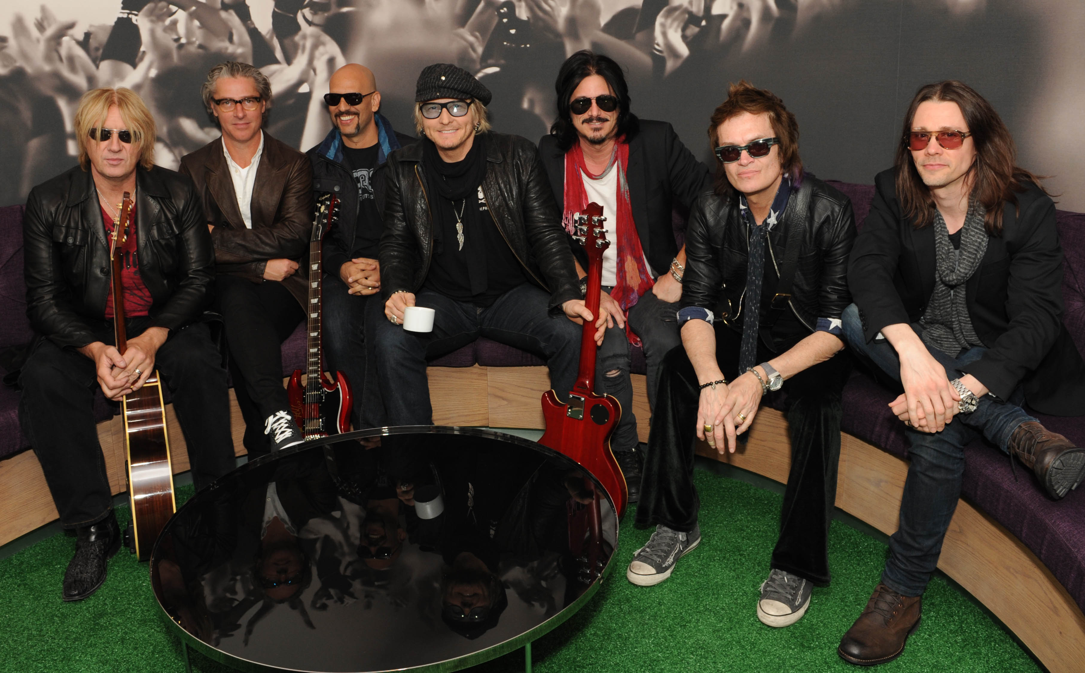 kings of chaos on mbd. Black Bedroom Furniture Sets. Home Design Ideas
