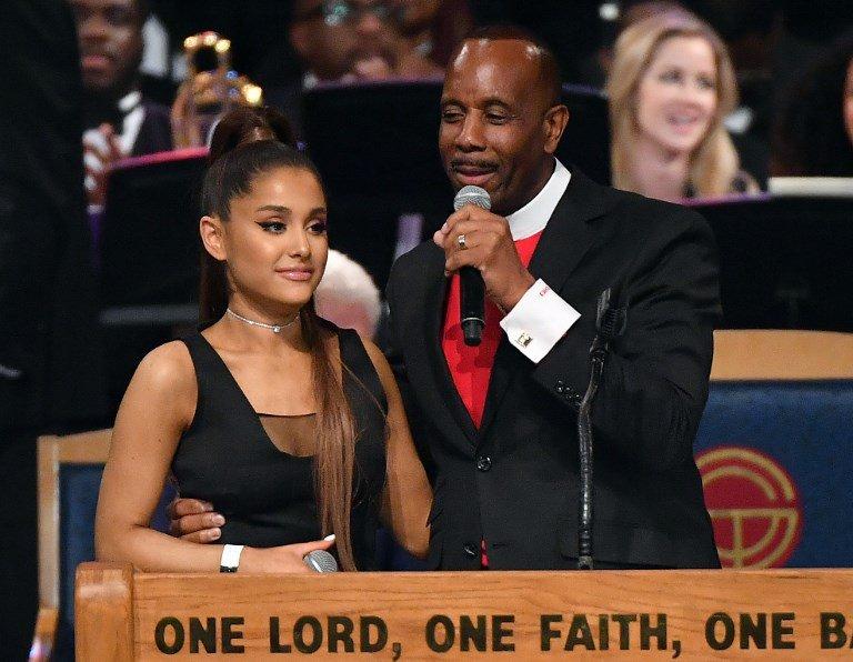 Ariana Grande groping