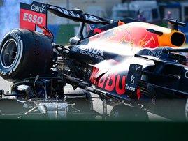 Hamilton Verstappen crash