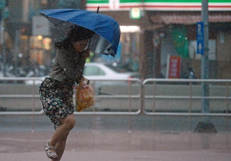 Hong Kong Braces for Hato; Flights Canceled, Schools Close