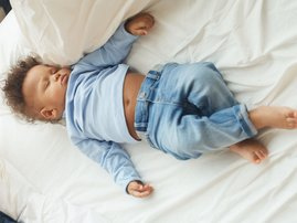 Baby brunch sleep