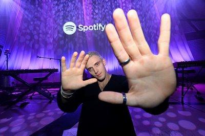 Spotify steps up antitrust war over Apple One bundling - East Coast Radio