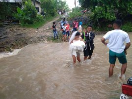 Couple going to get married during storm