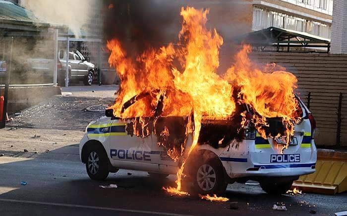 Third day of violent protests in Tswhane