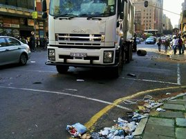Pikitup truck stoned