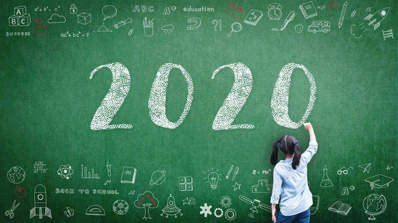 2020 written on chalkboard