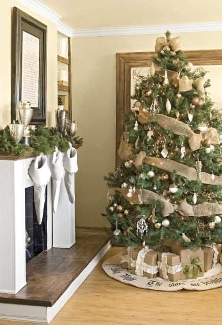 earthy christmas tree - Christmas Decorating On A Dime