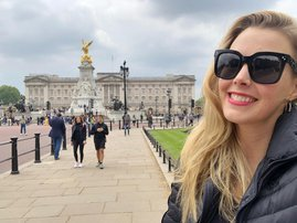 Elma Smit bats for the Cricket World Cup as one of the Insiders in the United Kingdom