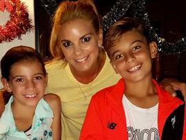 Amor Vittonne and kids