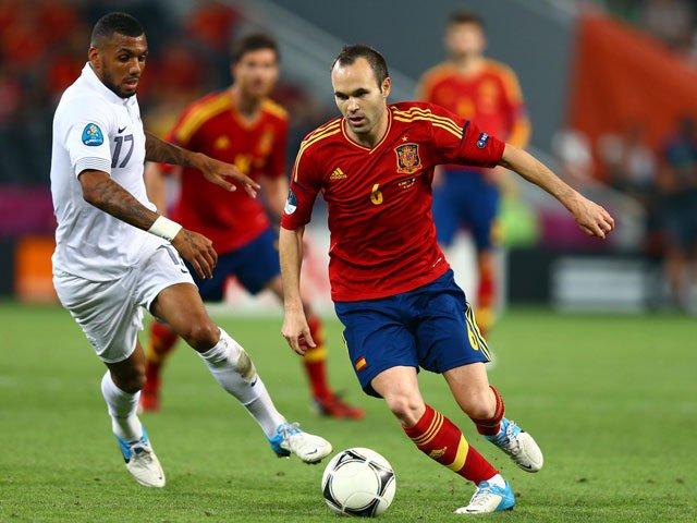 Barcelona's Iniesta doubtful for Liga derby against Espanyol