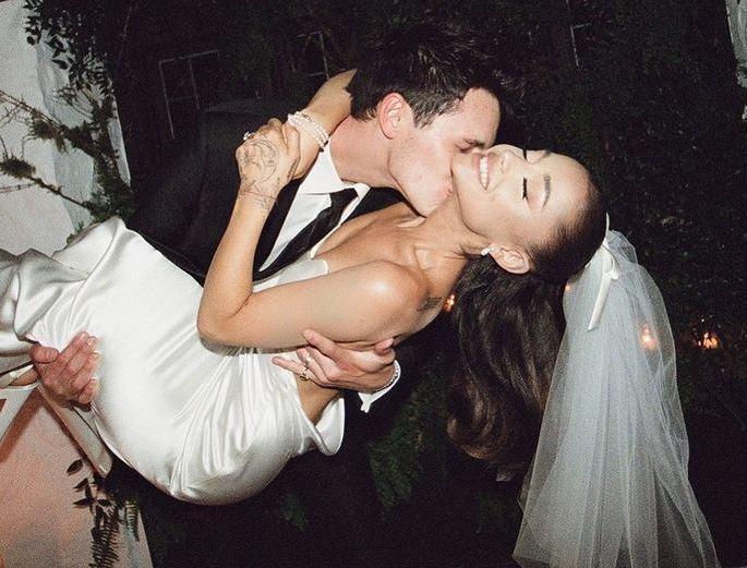 Ariana Grande wedding dress