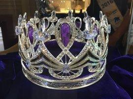 Enhle - Miss SA Crown