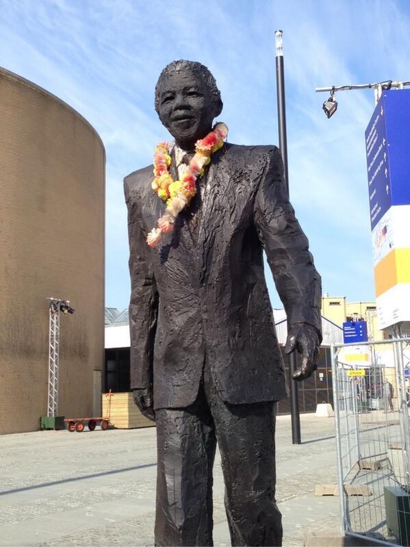 Mandela statue The Hague