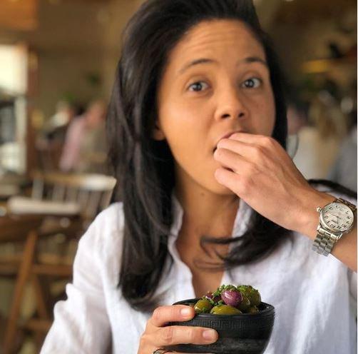 Carla Mackenzie snacking