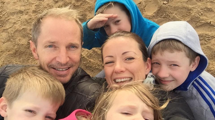Family of 6 co-sleeps and parents allow kids to choose their bedtime.