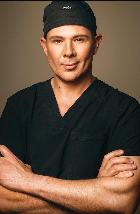 Dr Deon Weyers