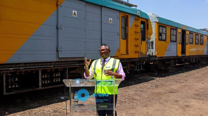 Fikile Mbalula on broken prasa trains