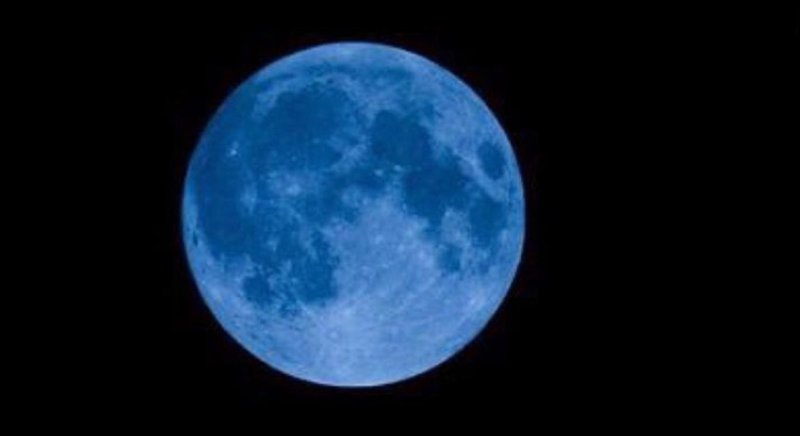 Spot the rare blue moon on Halloween