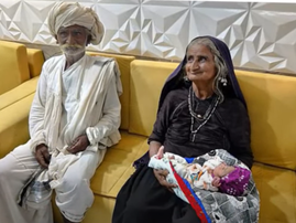 Jivunben Rabari, husband and child