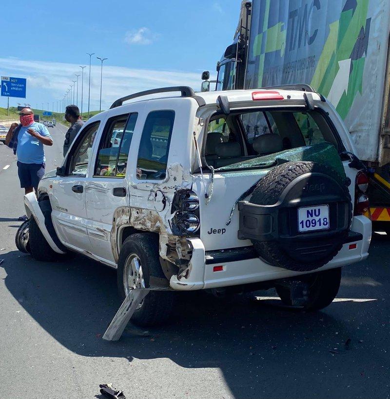 Woman killed, toddler injured in freak KZN car crash
