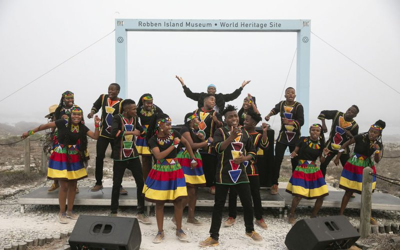Ndlovu Youth Choir pair up with Master KG for a LIVE performance!