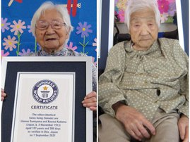 -Two Japanese oldest twins