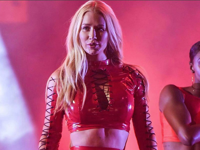Iggy Azalea Red Outfit