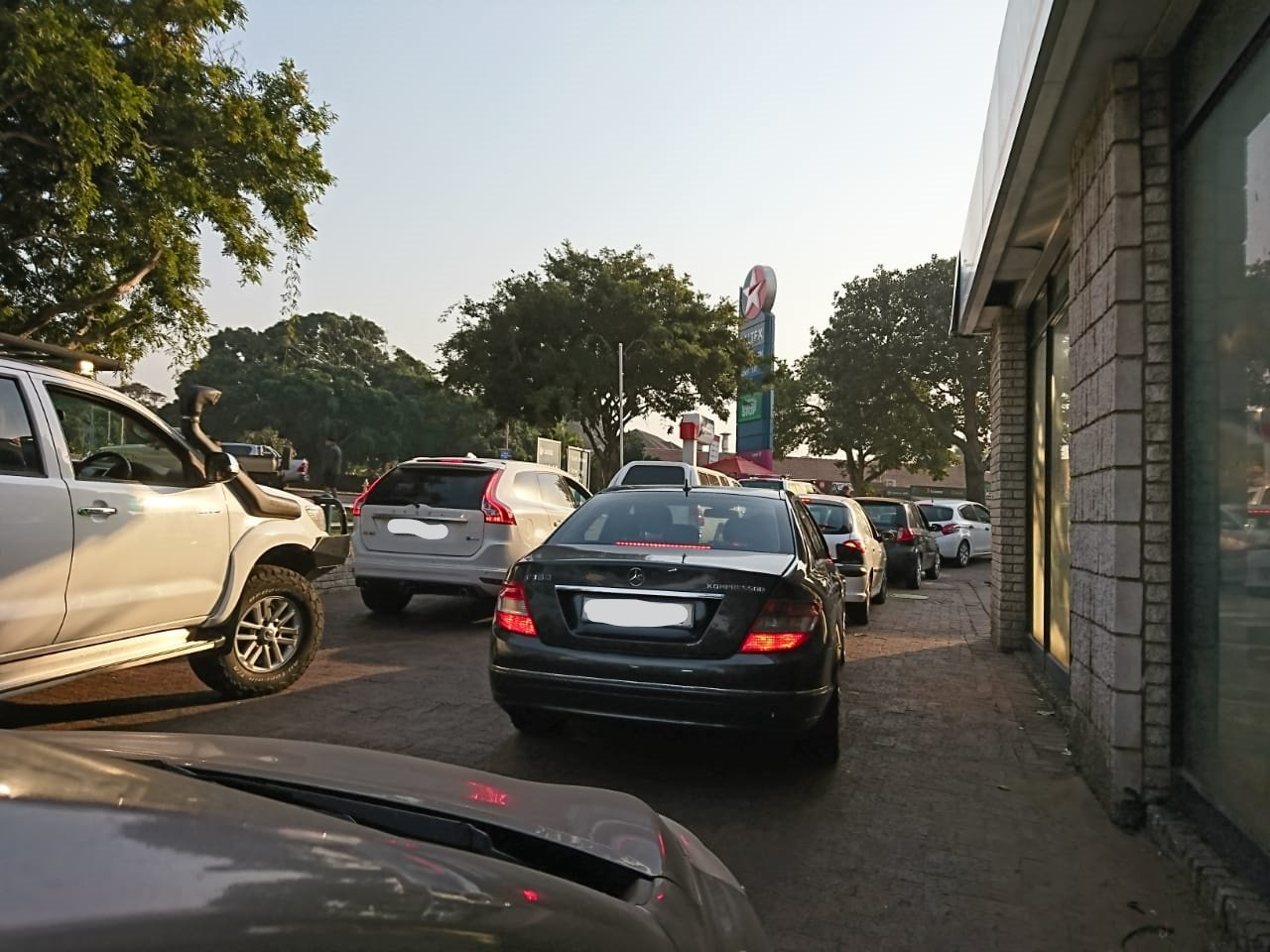 Shoppers search for basics as many shops in KZN remain closed 2