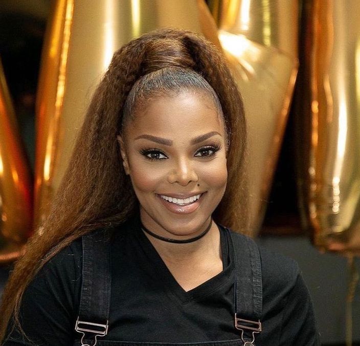 Janet Jackson's outfit sells for R350,000 at auction, can you guess who bought it?