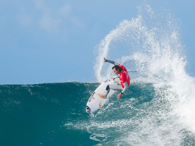 Jordy Smith wins WSL Rip Curl Pro Bells Beach