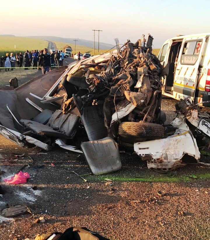 Six dead' 14 others injured in KZN taxi crash