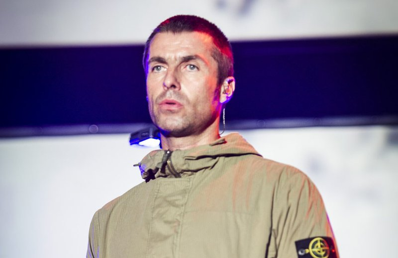 Liam Gallagher apologises for homophobic tweet