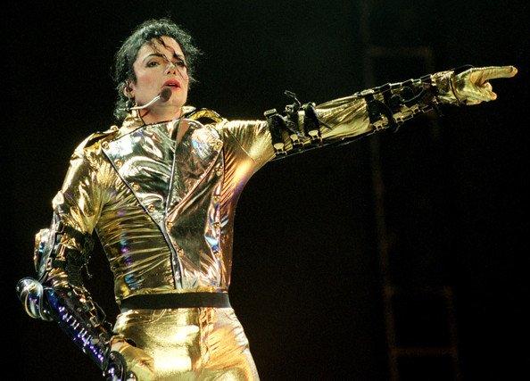 Michael+Jackson+Hospitalized+r-XMJJy8ZSSl_1.jpg