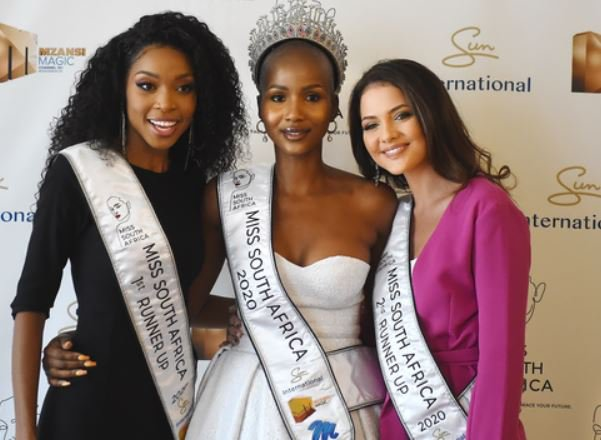 Miss South Africa 2020 and runners up Natasha Joubert second princess and Thato Mosehle as first princess.