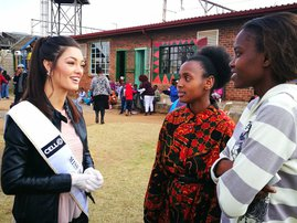 Miss SA Demi-Leigh Nel-Peters soup kitchen