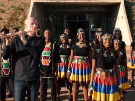 Ndlovu Youth Choir and Wouter Kellerman