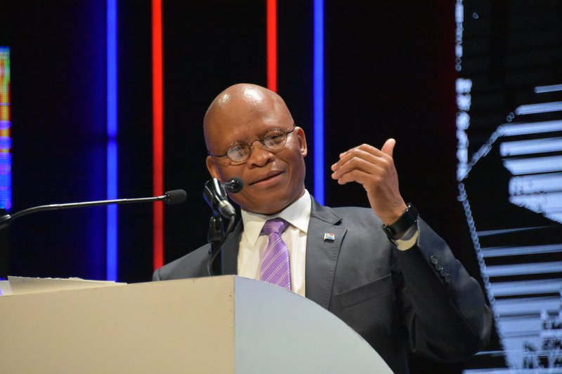 Mogoeng cautions media on 'driving particular narrative'