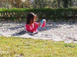 girl in cobblestones