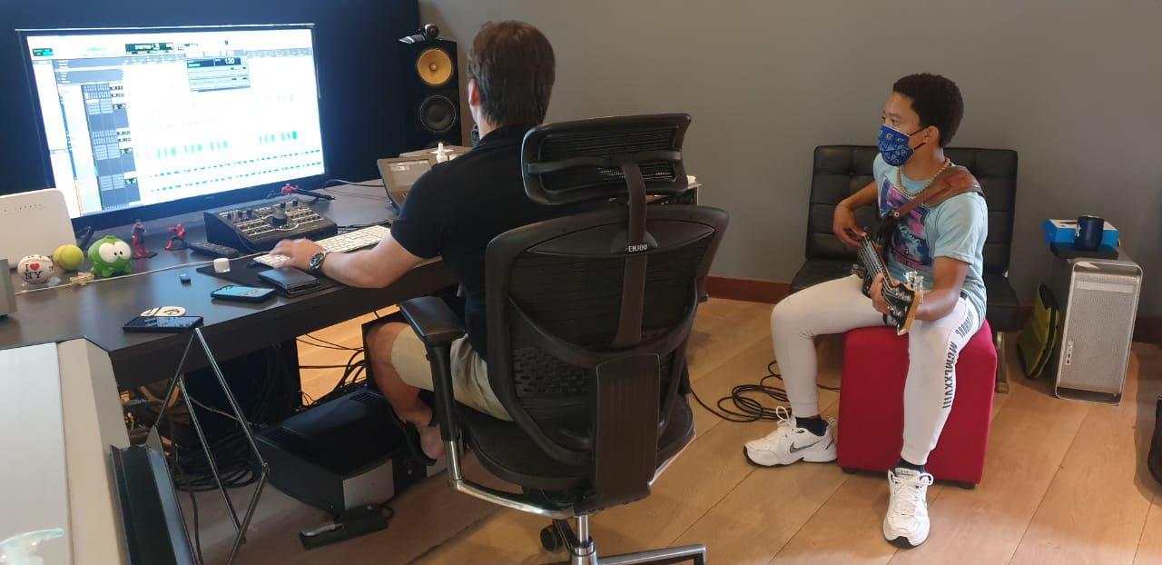 Angelo in studio