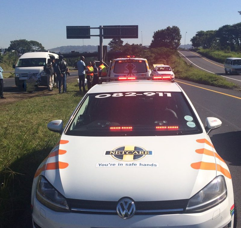 Paramedics deliver baby in taxi 1