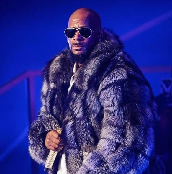 R. Kelly pic 1 official website