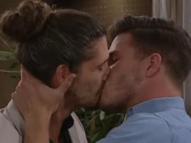 7de laan gay kiss