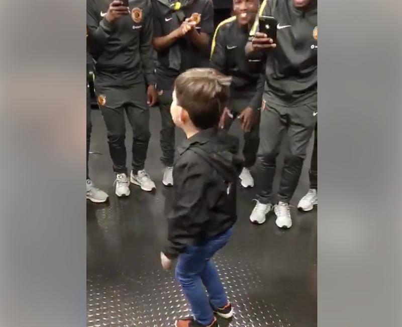 Kid singing kaizer chiefs
