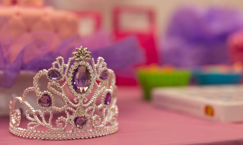 purpose of beauty pageants The benefits of participating in pageants many beauty salons and makeup counters have makeup artists who will teach you the colors which work best for you.