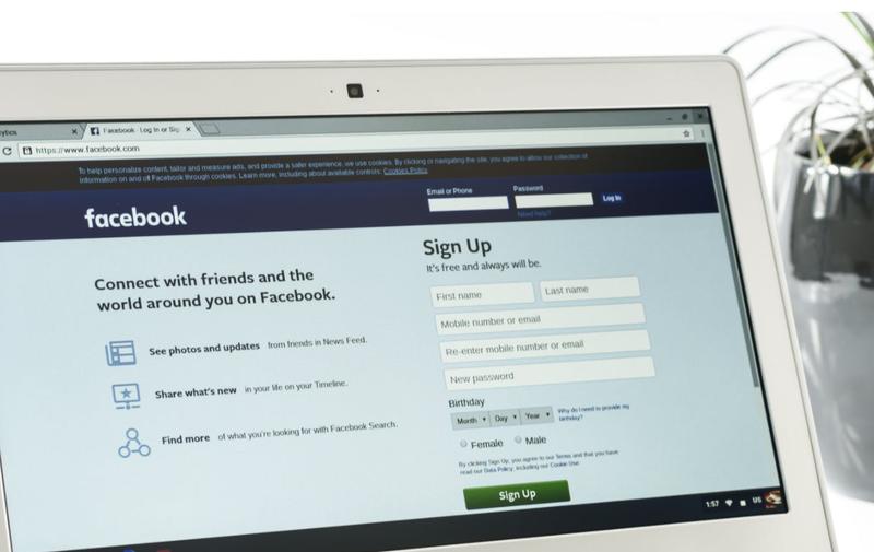 facebook on laptop pexels