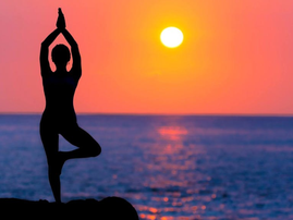yoga at the beach pexels