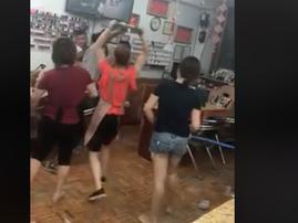 Salon women fighting